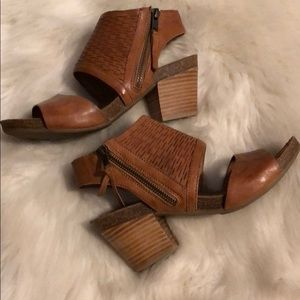 0f6c62db61a Sofft Shoes - Sofft Milan Block Heels Sandals NWOB
